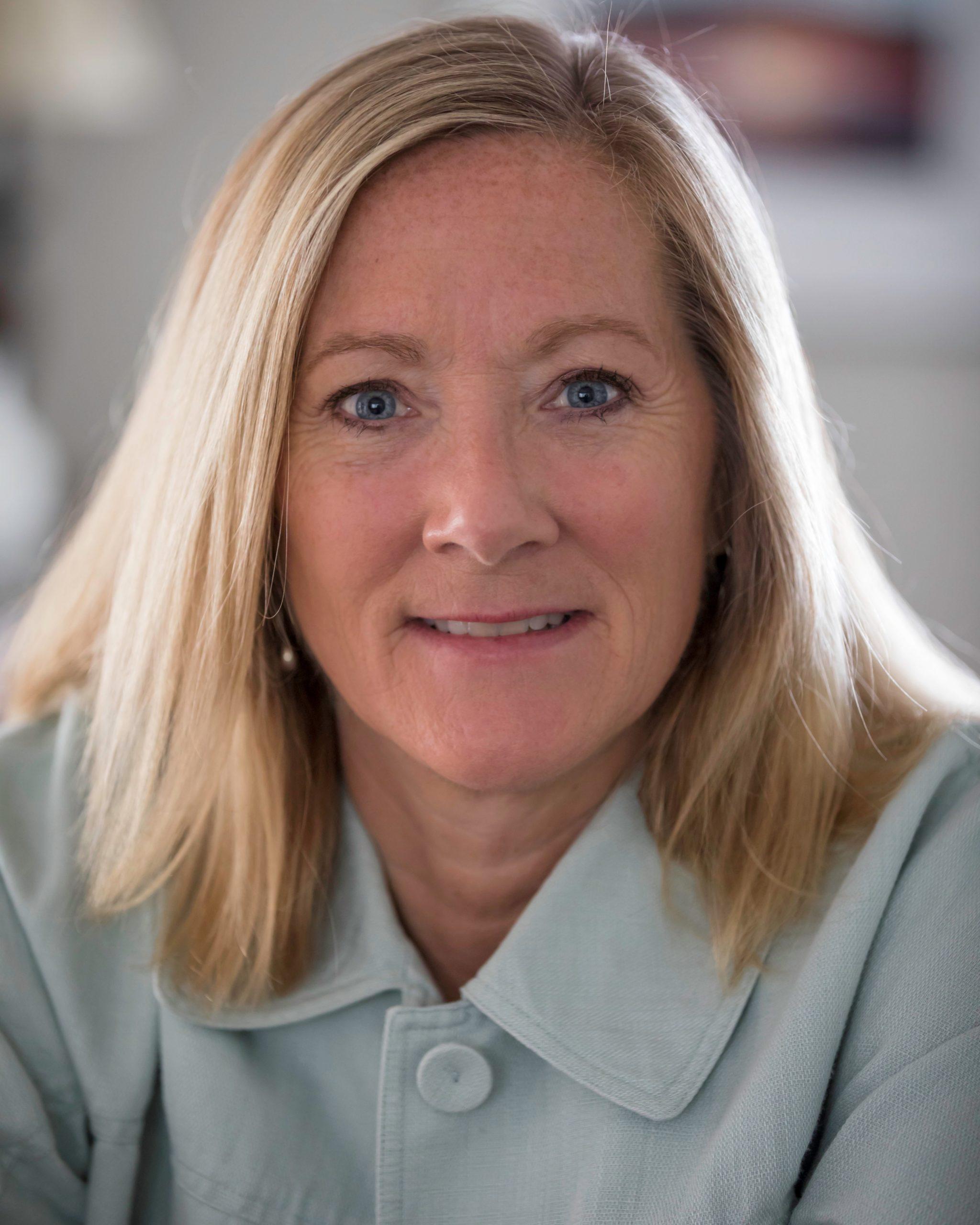 Dr. Sally I'Anson